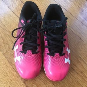 Girls cleats under armour size 13